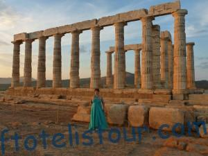 16 колонн храма